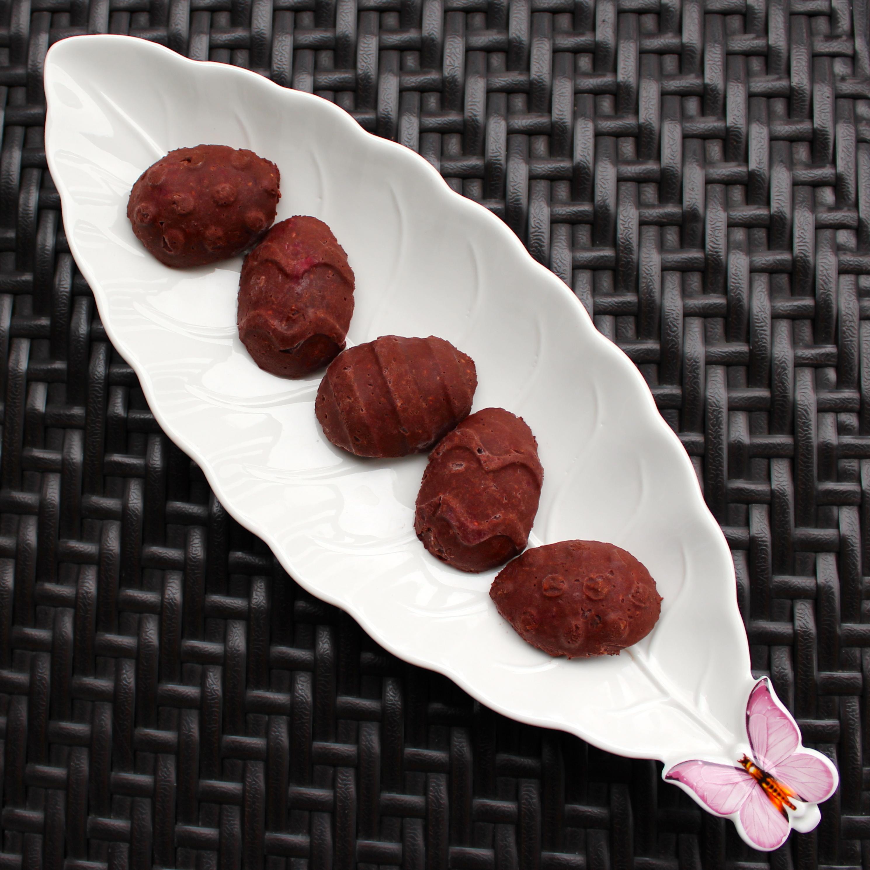 Raw Vegan Easter Egg Chocolate