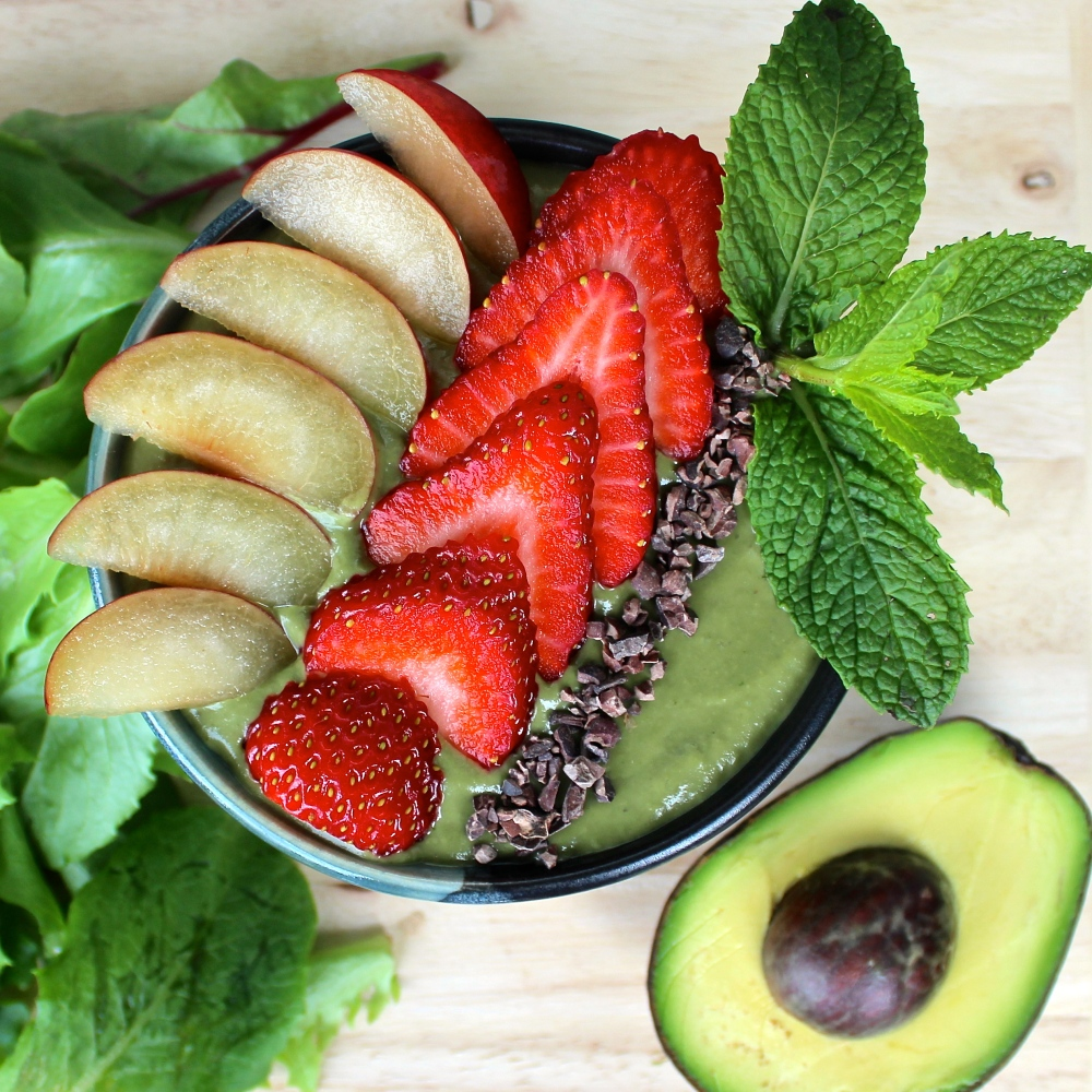 spinach avo smoothie bowl 4
